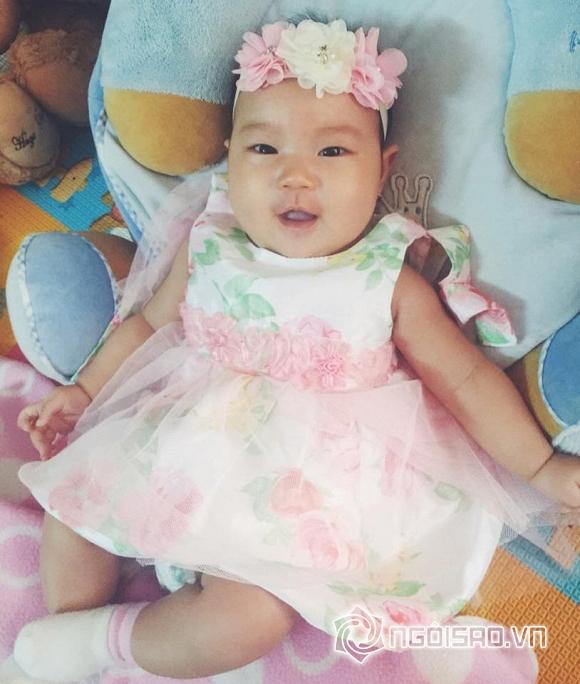 Con gái út Lý Hải mặc váy, cài hoa xinh như công chúa 10