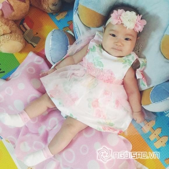 Con gái út Lý Hải mặc váy, cài hoa xinh như công chúa 9
