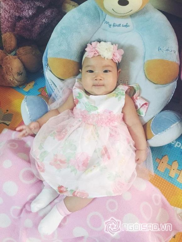 Con gái út Lý Hải mặc váy, cài hoa xinh như công chúa 8
