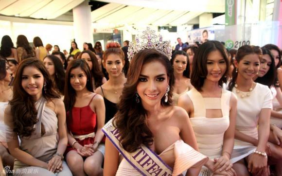 Thí sinh Hoa hậu Chuyển giới Thái Lan 2015 0