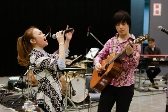 Mỹ Tâm tập hát cùng nghệ sĩ guitar hàng đầu Nhật Bản 5