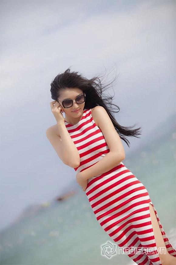 Triệu Thị Hà khoe dáng nuột nà trên biển 1