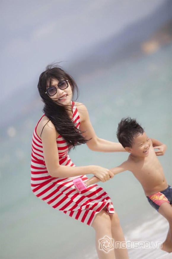 Triệu Thị Hà khoe dáng nuột nà trên biển 4