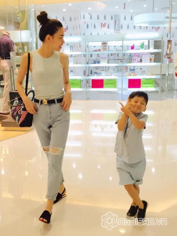 Subeo 'siêu nhắng nhít' đi chơi ngày lễ cùng mẹ