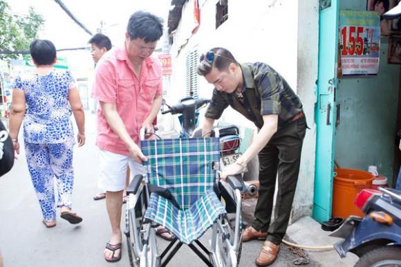 Đàm Vĩnh Hưng dùng tiền phúng điếu ông ngoại làm từ thiện 3