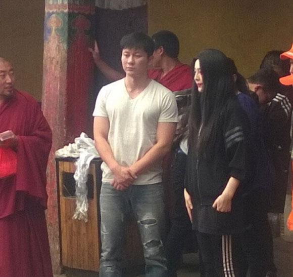 Xôn xao ảnh của Lý Thần quỳ gối cầu hôn Phạm Băng Băng  5