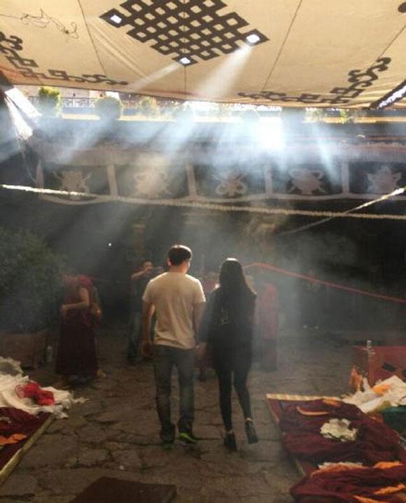 Xôn xao ảnh của Lý Thần quỳ gối cầu hôn Phạm Băng Băng  0