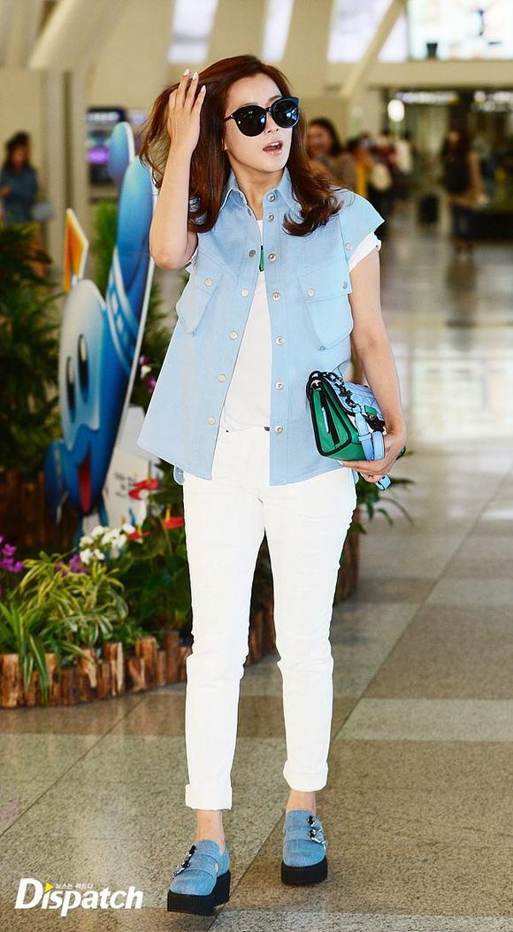 Kim Hee Sun ở sân bay 7