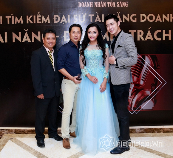 Khả Tú, Đàm Thanh, Nam Phong, Sao Việt