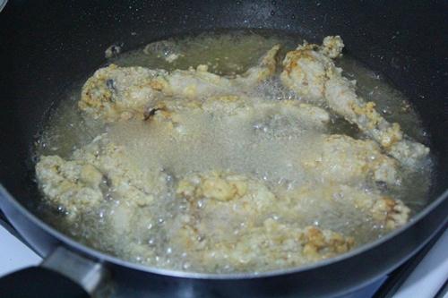 Chiêu đãi cả nhà dịp cuối tuần với món ếch tẩm bột chiên giòn - Ảnh 5