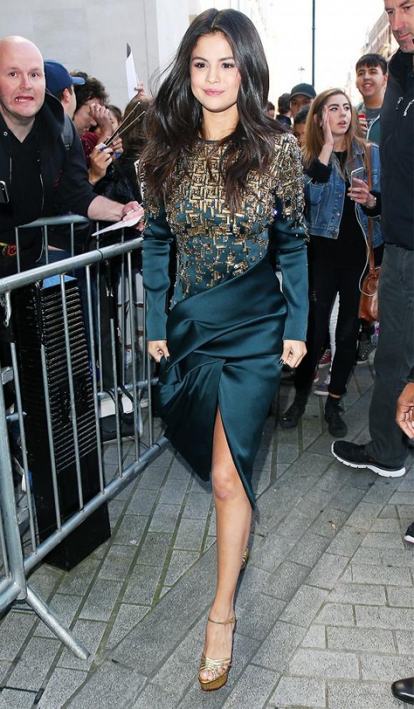 sao Hollywood,Selena Gomez,gu thời trang sành điệu của Selena Gomez,Selena Gomez mặc tinh tế