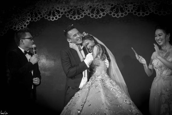 Kỉ niệm một năm ngày cưới, Lương Thế Thành nói lời yêu và hứa sẽ sửa đổi mọi tật xấu