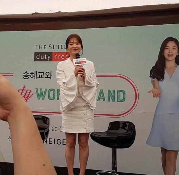 """Càng có tuổi Song Hye Kyo lại càng chuộng stye """"sến sủa"""""""