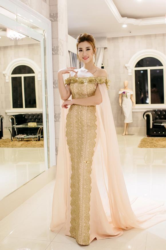 Hoa hậu Mỹ Linh đẹp tựa nữ thần 'đọ sắc' cùng Trương Thị May