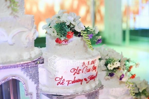 Ngân Khánh bất ngờ tái xuất xinh đẹp rạng ngời trong tiệc cưới Lê Phương