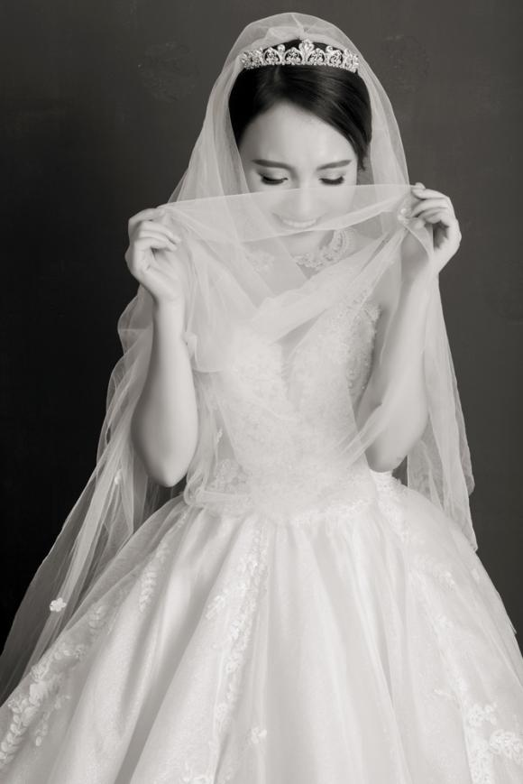 Nhật Thuỷ Idol, quán quân Idol 2014, đám cưới  Nhật Thủy, thiệp cưới