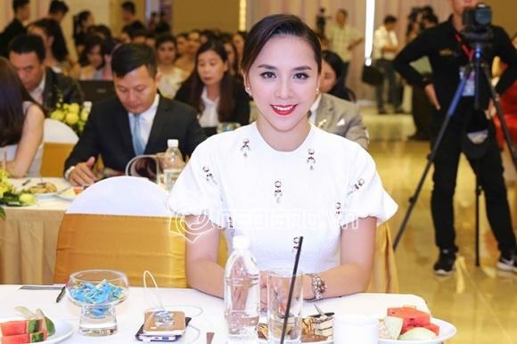 Dương Trương Thiên Lý,Á hậu Dương Trương Thiên Lý,Hoa hậu Hoàn vũ Việt Nam