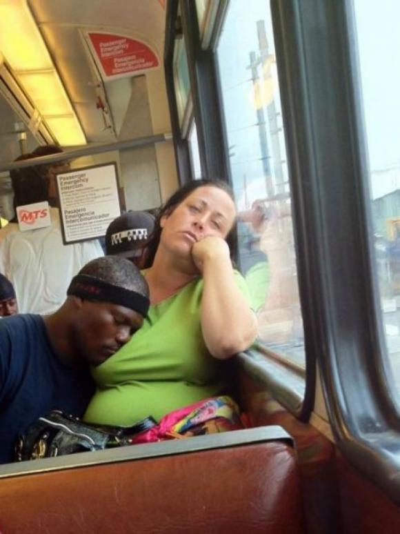 ảnh cười, đặt đâu ngủ đó, ảnh cười ngủ gật