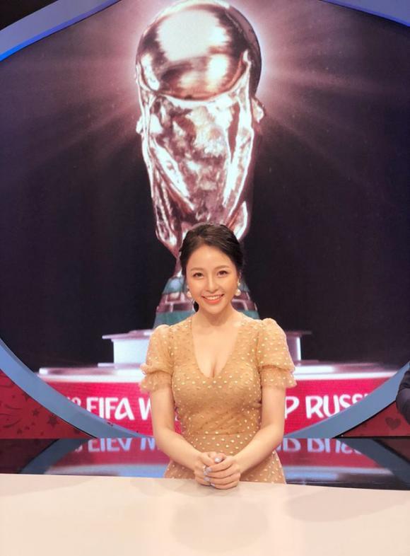 Hoàng Bách, World Cup 2018, hot girl, sao Việt