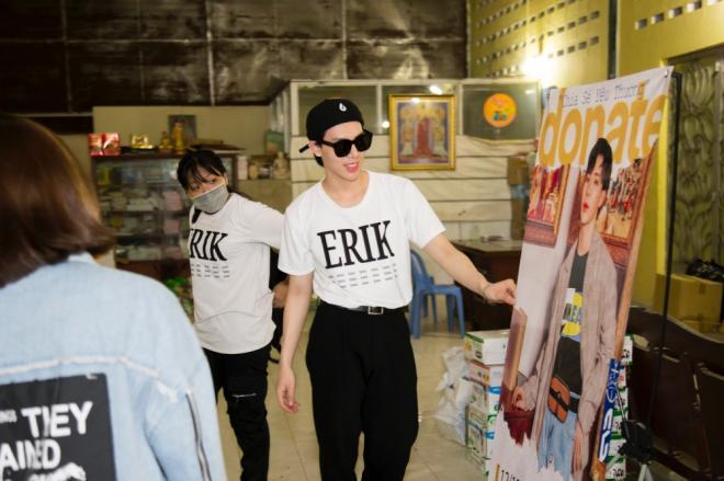 Nhân dịp sinh nhật tuổi 21, Erik cùng FC đi từ thiện khắp ba miền Bắc