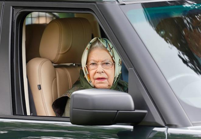 Nữ hoàng Elizabeth, Nữ hoàng Anh bán ô tô, Hoàng gia Anh