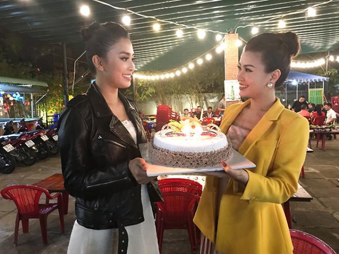 Á hậu Diễm Trang, hoa Hậu Tiểu Vy, tổ chức sinh nhật