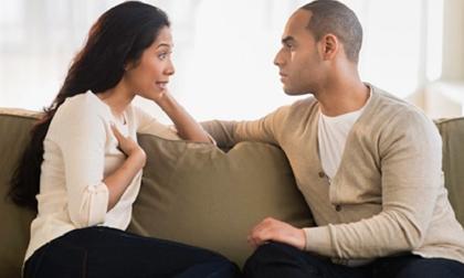 Nửa đêm nghe điện thoại xong, chồng mình vội vã mặc quần áo rồi lao ra khỏi nhà bất chấp lời cảnh báo của mình