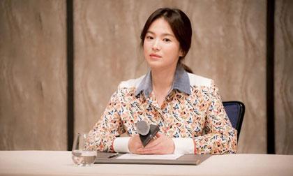 Báo Hàn tiết lộ Song Hye Kyo từng bị quản lý cũ dọa tống tiền và tạt axit