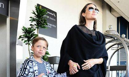 Con trai út mới 9 tuổi đã được Angelina Jolie cho học lái máy bay