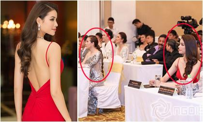 """Phạm Hương lưng trần ngọc ngà, """"lơ đẹp"""" Hoa hậu Thu Hoài tại sự kiện"""