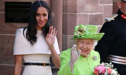 Sốc: Nữ hoàng Anh từng bắt Meghan Markle phải kiểm tra khả năng làm mẹ trước khi cưới Hoàng tử Harry