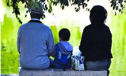 Mẹ chồng giúp trông cháu là tình cảm, không phải bổn phận, là con dâu thì nên biết ơn