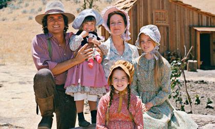 """Dàn diễn viên """"Ngôi nhà nhỏ trên thảo nguyên"""" sau 44 năm giờ ra sao?"""