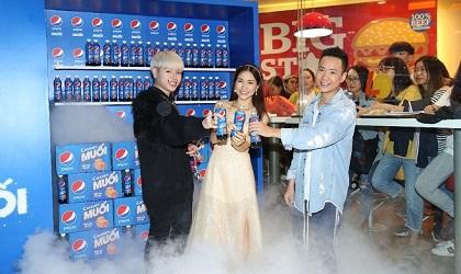 """Thật bất ngờ: Pepsi Muối ra mắt hoành tráng khiến người hâm mộ ví như """"iphone"""" của làng nước giải khát"""
