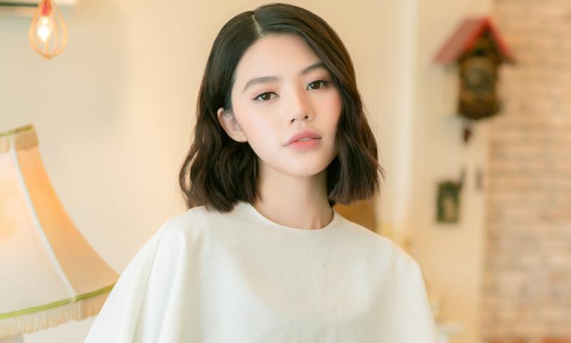 """Jolie Nguyễn: Danh xưng """"rich kid"""" do báo quốc tế uy tín công nhận, tránh đôi co với hội bạn cũ vì không muốn phiền lòng độc giả"""