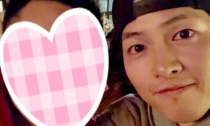 """Bị fan réo gọi liên tục sau tin đồn ly hôn, cuối cùng Song Joong Ki đã """"ngoi lên"""" nhưng không phải bên Song Hye Kyo"""