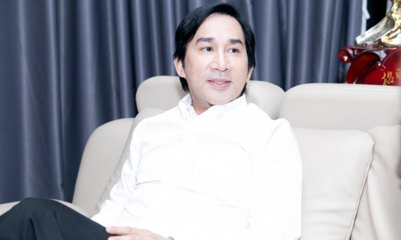 """""""Ông hoàng cải lương"""" Kim Tử Long: Vở diễn nào có Vũ Linh chỉ đóng kép thứ, mất vai diễn đầu đời vì không hối lộ (P1)"""