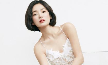 Giữa tâm bão, bộ ảnh đẹp không tì vết của Song Hye Kyo của Song Hye Kyo bất ngờ gây sốt trở lại