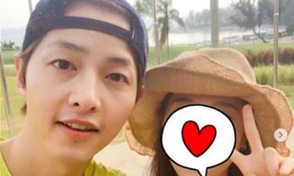 Vừa xuống sân bay Hàn Quốc, Song Joong Ki đã làm điều này cho Song Hye Kyo giữa tin đồn ngoại tình